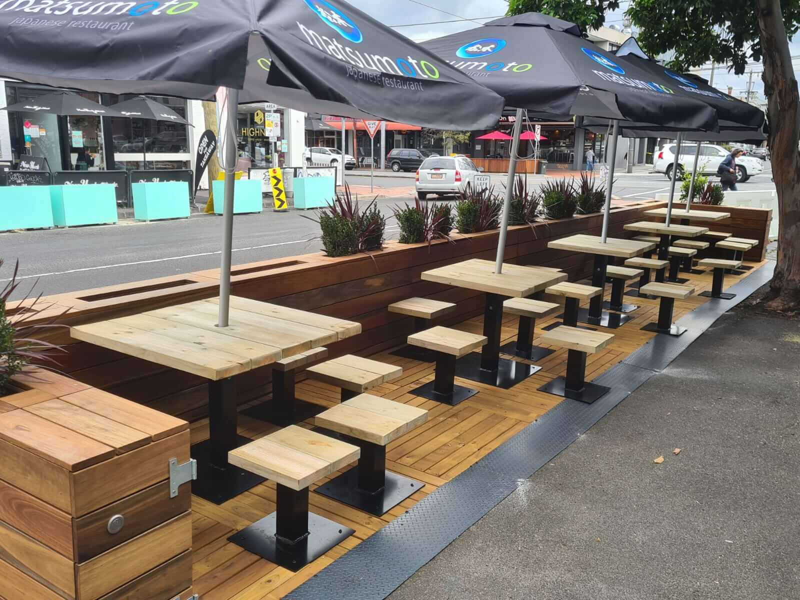 Parklet - Outdoor dining area